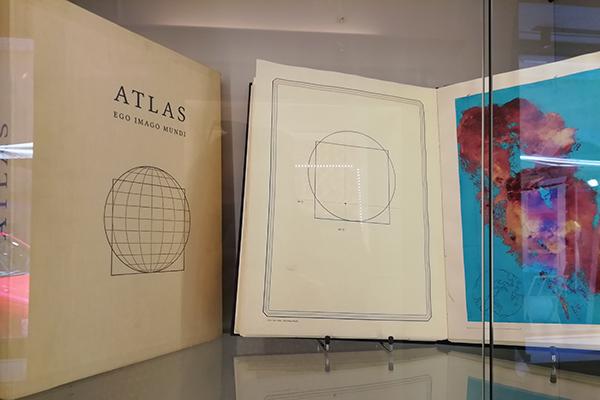 Geopittura – La mostra di Luca Di Luzio alla Galleria Russo – di Carlotta Anello